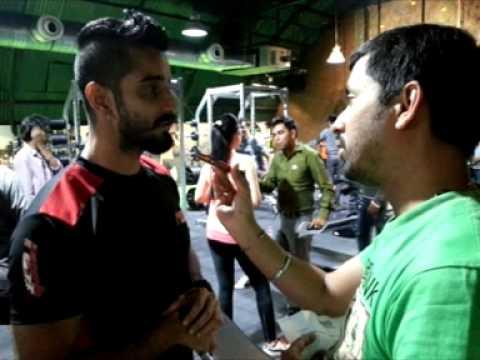 Neeraj Surana and Jessica Gomes with Rj Animesh  on 919 Friends Fm Kolkata