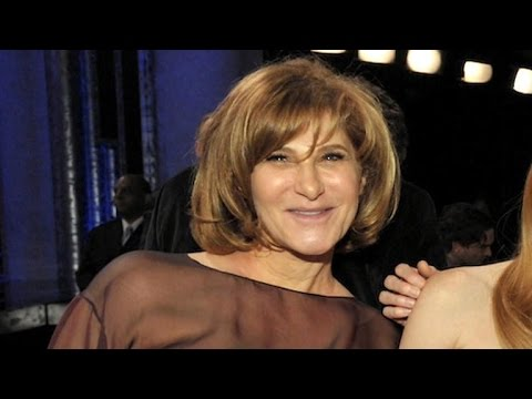 Sony Pictures exec Amy Pascal steps down in wake of hack attack streaming vf