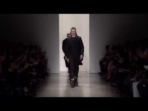 Calvin Klein Collection Men's Fall 2015 Runway Show