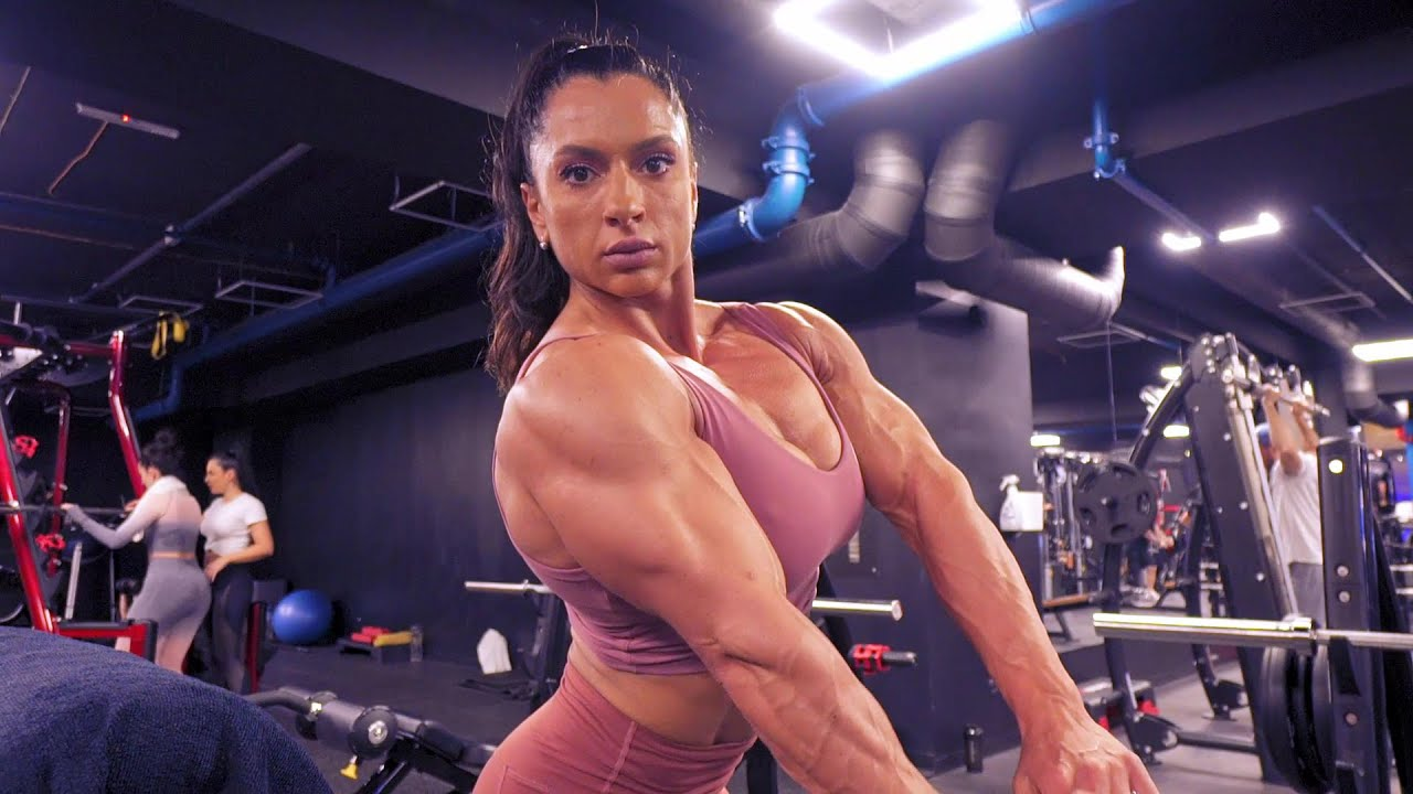 Raluca Raducu training hard