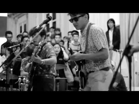 White Shoes & The Couples Company - Senandung Maaf (Live at TAHOECOKLART)