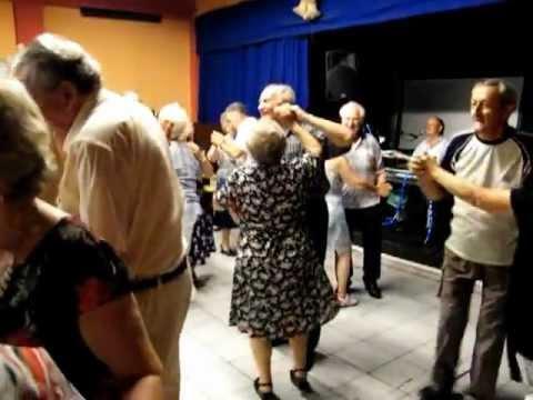 Polgár Sándor fotós a középpontban a Sándor Éva - Kiss János fergeteges táncban 0725