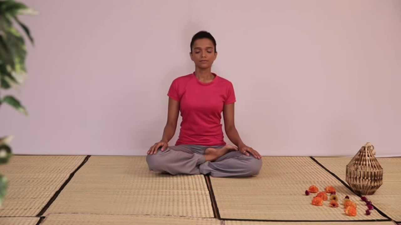 Padmasana Or Lotus Pose Benefits In Hindi