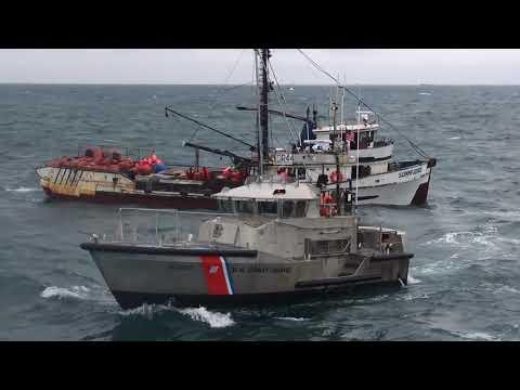 Coast Guard rescues 5 fishermen from flooding ship, CAPE ALAVA, WA, UNITED STATES, 01.31.2018
