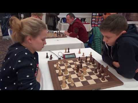 WFM Viktorya Chernyak - GM Esipenko Andrey, English opening, Blitz chess