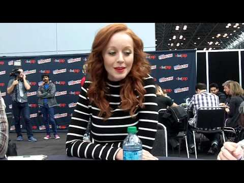 NYCC 2014  The Librarians  LIndy Booth Cassandra Cillian