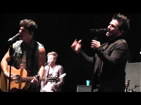 "Dan + Shay - ""Party Girl"" Live 2014 WI"