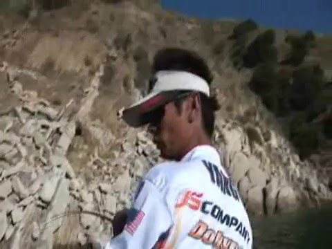 Bass fishing lake piru intro youtube for Lake piru fishing report
