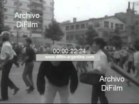 DiFilm - Demonstration students in Paris French May 1968