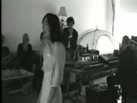 Björk  Unravel Loft Rehearsal