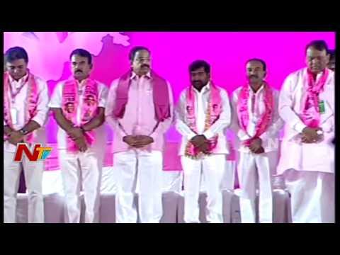 CM KCR Pays Tribute to Telangana Martyrs at TRS Plenary Meeting || NTV