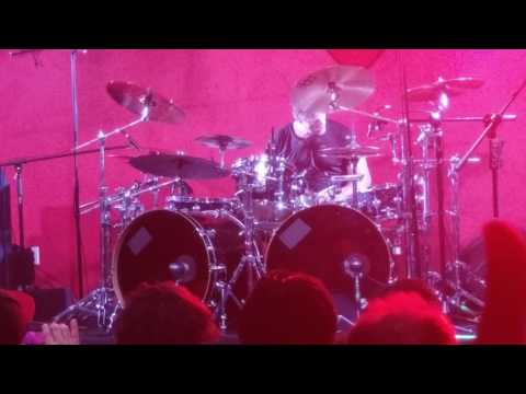 Better chords + Thomas Lang's drum solo pt1 (Live in México City) - Paul Gilbert