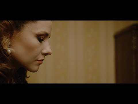 Ania Karwan - Głupcy [Official Music Video]