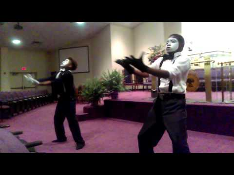 Mime Dancing to Tye Tribbett - What Can I Do #USAC
