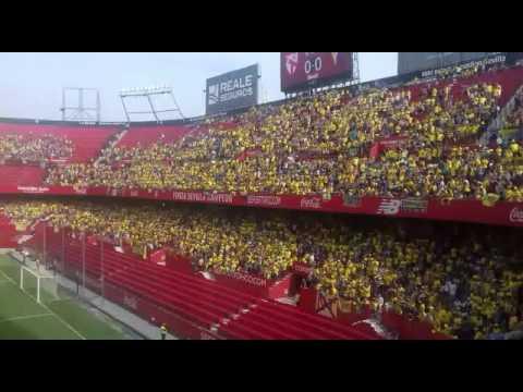 Afición del Cádiz CF en el Sánchez Pizjuán (2017) [HD]