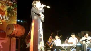 ca sĩ Kim Sa ngâm Nguyên Tiêu- thơ Hồ Chí Minh.MPG