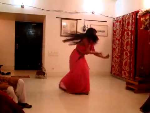 Bangladeshi Deshi Girl Dancing (www.AddaEnjoy.Net)
