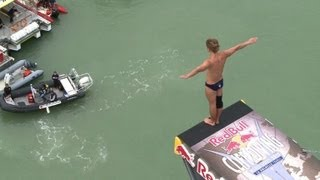 Cliff Diving World Series sees plunges of 27m