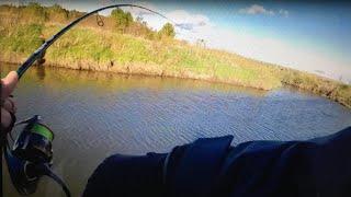 Ловля ЩУКИ весной на МАЛОЙ РЕКЕ ВОБЛЕР НА ЩУКУ Рыбалка в Мае на спиннинг