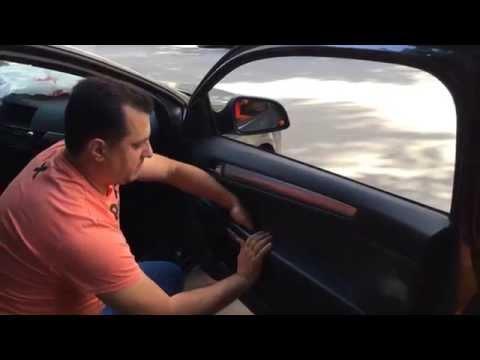 видео: Как снять обшивку двери на opel astra h