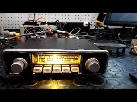 Auto radio antigua convertida a moderna.