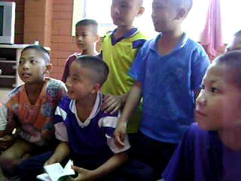 Thai Children Talks... Suntisuk House, Chiang-Rai - Thailand.. FUN..