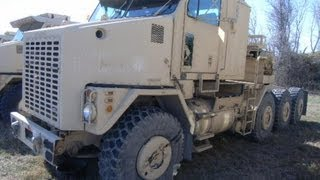 1998 Oshkosh M1070 Heavy Equipment Transporter Truck on GovLiquidation.com