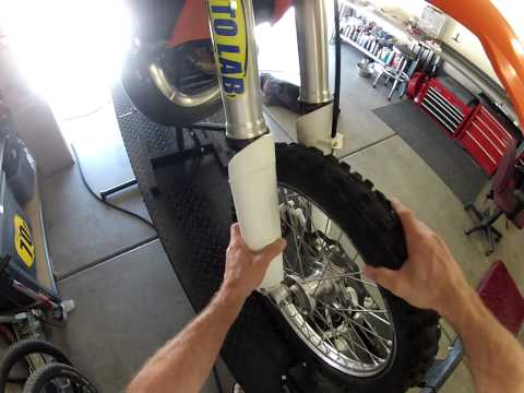 How to remove KTM forks.