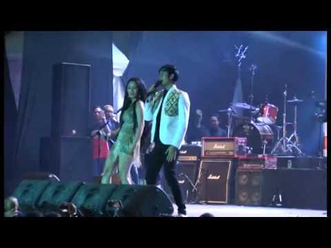 Siti Badriah & Denias - goyang senggol Feat Lentera Band (JATENG FAIR 2016)