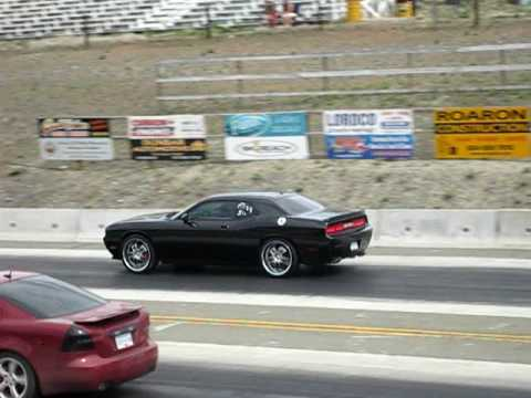 2008 dodge challenger srt8 500 series vs 07 grand prix v8 youtube. Black Bedroom Furniture Sets. Home Design Ideas