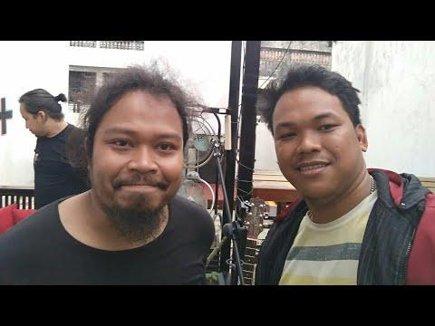 Intip Cerita Is Ex Vokalis Payung Teduh Beberkan Makna lagu