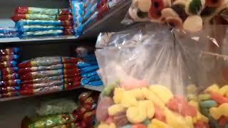 Tindahan Ng Mga Panindang Candy At Iba Pa Sa Divisoria, Manila