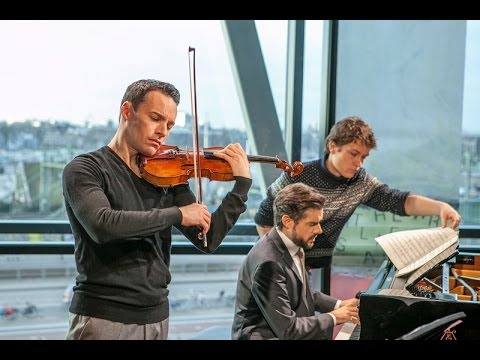 Linus Roth & José Gallardo - Sonatina op. 46 part 2 (Weinberg) (Live @ Bimhuis - Amsterdam)