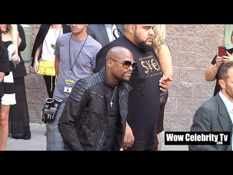 Floyd Mayweather arrives to the 2014 Billboard Music Awards in Las Vegas