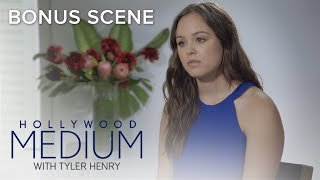 Why Hayley Orrantia Has to Let Go of Past Love   Hollywood Medium With Tyler Henry   E!