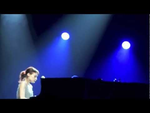 """Fiona Apple """"Get Gone"""" (2nd half) live in Houston at the Bayou Music Center 09/21/12"""