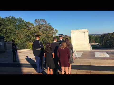 APUSH Students of Chippewa Valley High School Present Wreath at the Tomb of the Unknown Soldier