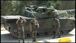 Démonstration dynamique du char Leclerc, tank de combat