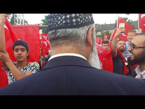 Cool..!! The new Erdogan Song!!! (Cologne, Germany, 31 july 2016)