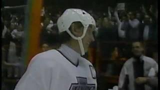 Wayne Gretzky scores 802nd Goal