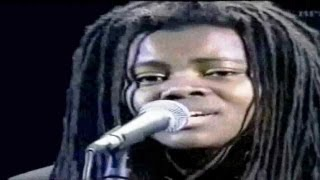 "Tracy Chapman & Luciano Pavarotti - ""Baby can I hold you"" - (With Lyrics)"