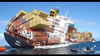 Fatal Container Ship Crashes - Video HD