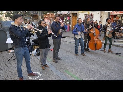 "Barba Dixie Band: ""Bill Bailey"" - Busking in Madrid"