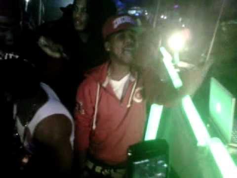 gettin it poppin in da BX @ club 11