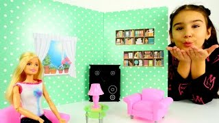 Barbie yeni eve taşınıyor! Barbie ev tasarımı ve ev dekorasyonu oyunları oynayalım! Barbie'nin evi