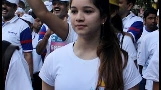 VIDEO: Beautiful Sara Tendulkar with father Sachin, Anjali