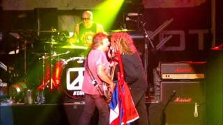 Chickenfoot - Turnin left-Foxy lady - Live 013 Tilburg - jan17th2012wmv