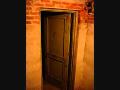 & creaking door opening sound effect - YouTube