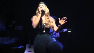 JoJo Performing Never say Goodbye in Seattle