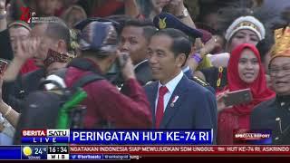 Momen Jokowi Sapa Warga Sebelum Upacara Penurunan Bendera